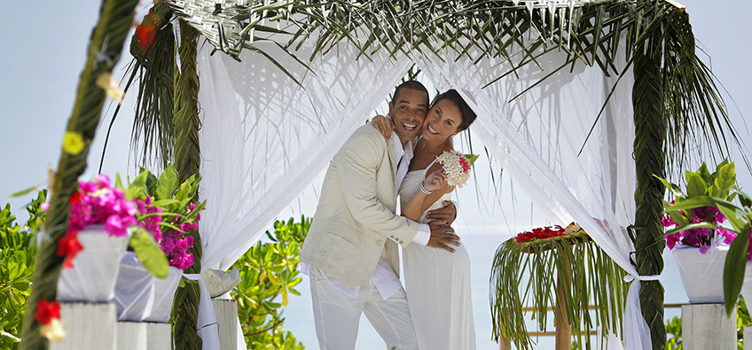 Destination beach weddings at  Holiday Inn Kandooma Maldives